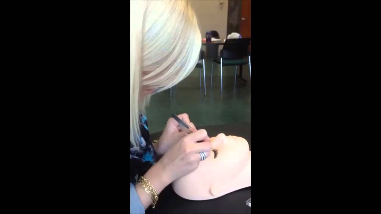 Montreal Eyelash Extension Course Sneak Peak Coeurdecils Youtube