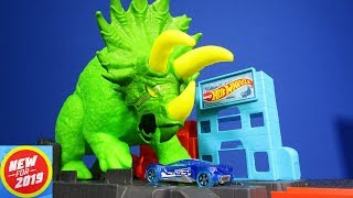 NEW FOR 2019! Hot Wheels Smashin' Triceratops Playset for Hot Wheels City!