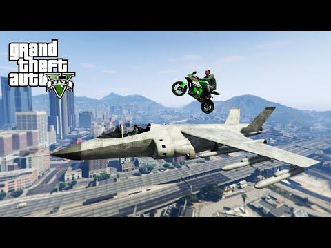 LANDING BIKES ON PLANES! - (GTA 5 Top 10 Stunts)