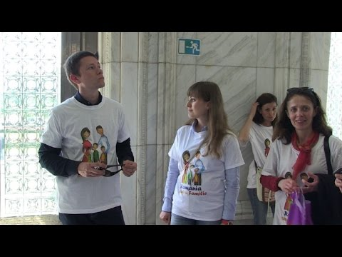 Romanian groups push for same-sex marriage ban from YouTube · Duration:  1 minutes 15 seconds