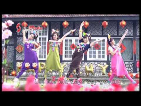 M-GIRL 2015  HAPPY CNY  四个女生