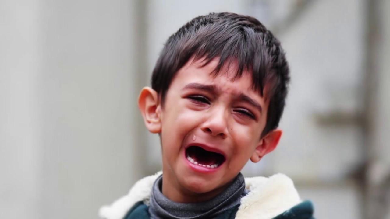 تفسير حلم رؤية بكاء أو شخص يبكي في المنام لابن سيرين
