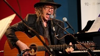 Waterboys Mike Scott and Steve Wickham perform Fisherman