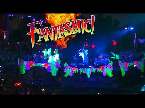 Disney Fails- Fantasmic! Rafiki Barge Crash with Monkey Barge | Fantasmic Fail