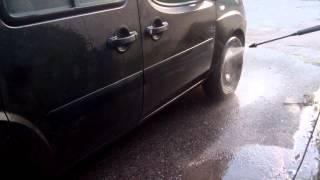 Видео мойки Karcher 2 basic(Помыть машину за 5 минут теперь проще простого. Видео для сайта Отзовик., 2015-05-16T19:34:25.000Z)
