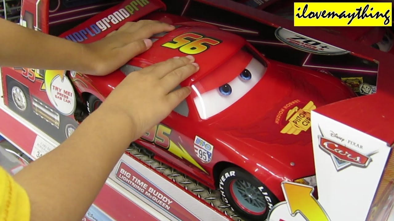 checking out big time buddy lightning mcqueen disney s cars youtube