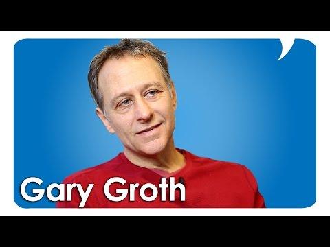 Gary Groth Talks Love & Rockets & Fantagraphics
