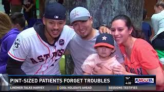 Carlos Correa surprises young hospital patients
