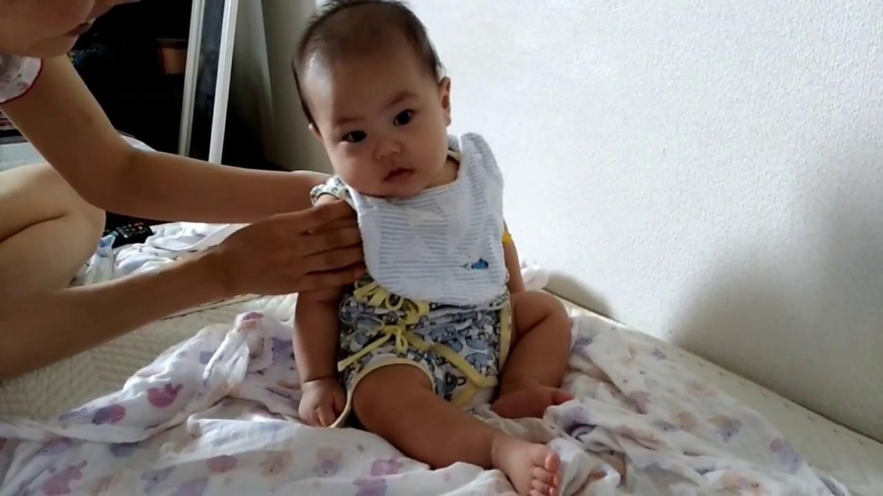 赤ちゃん お 座り いつ 赤ちゃんのお座りはいつから?遅いと感じたときの対策や注意点も解説