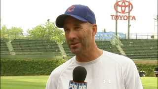 Chicago Cubs manager Dale Sveum talks with Fox Chicago