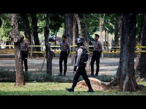 Blast hits near Indonesian presidential palace, 2 soldiers injured