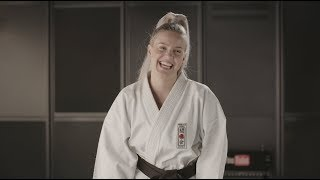 Karate with Anne-Marie [BLOOPERS]
