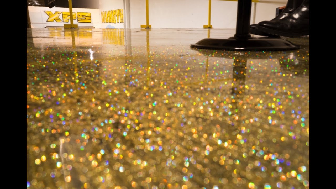 Diy metallic epoxy floor application gold glitter for Liquid lino floor paint