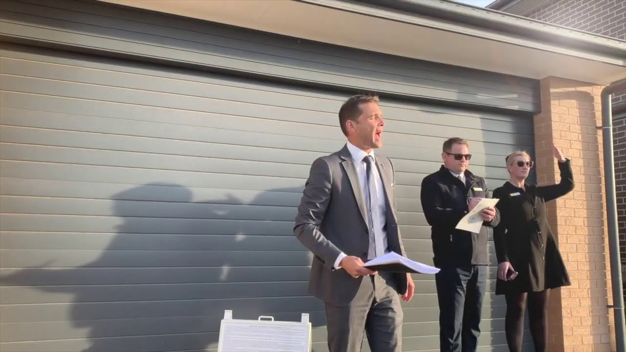 Robust bidding at Sydney auction