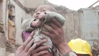 टुहुरो बनायो भुकम्पले  - Ashusen Lama | New Nepali Earthquake Song 2015
