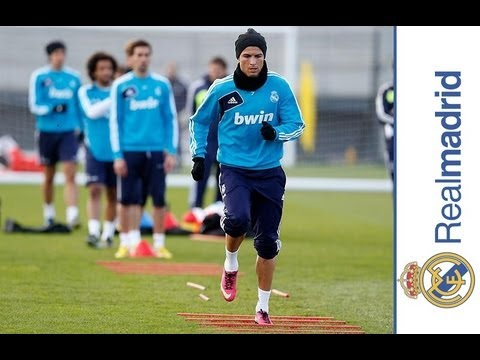 Real Madrid's first session in preparation for the match against Deportivo