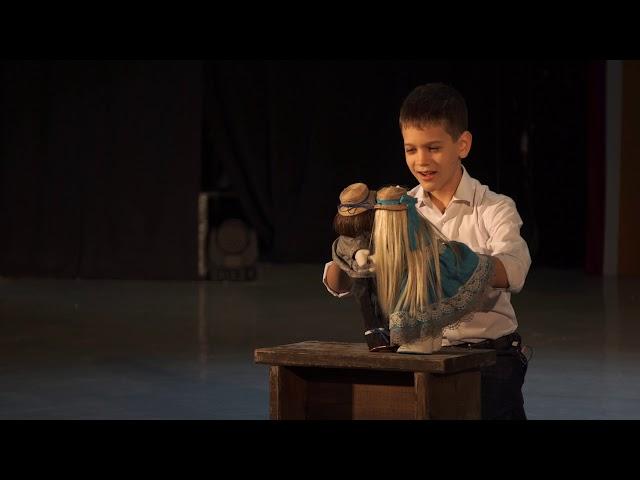 Изображение предпросмотра прочтения – ПлатонПолторако читает произведение «Злой мальчик» А.П.Чехова