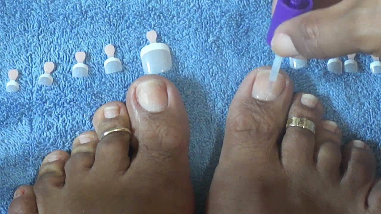 How to apply Kiss Salon French Toenails Tutorial - YouTube