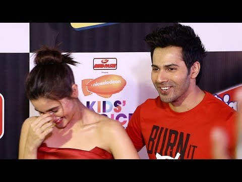 Alia Bhatt & Varun Dhawan's FUNNY Moment With Media Reporters At Nickelodeon Kids Choice Awards