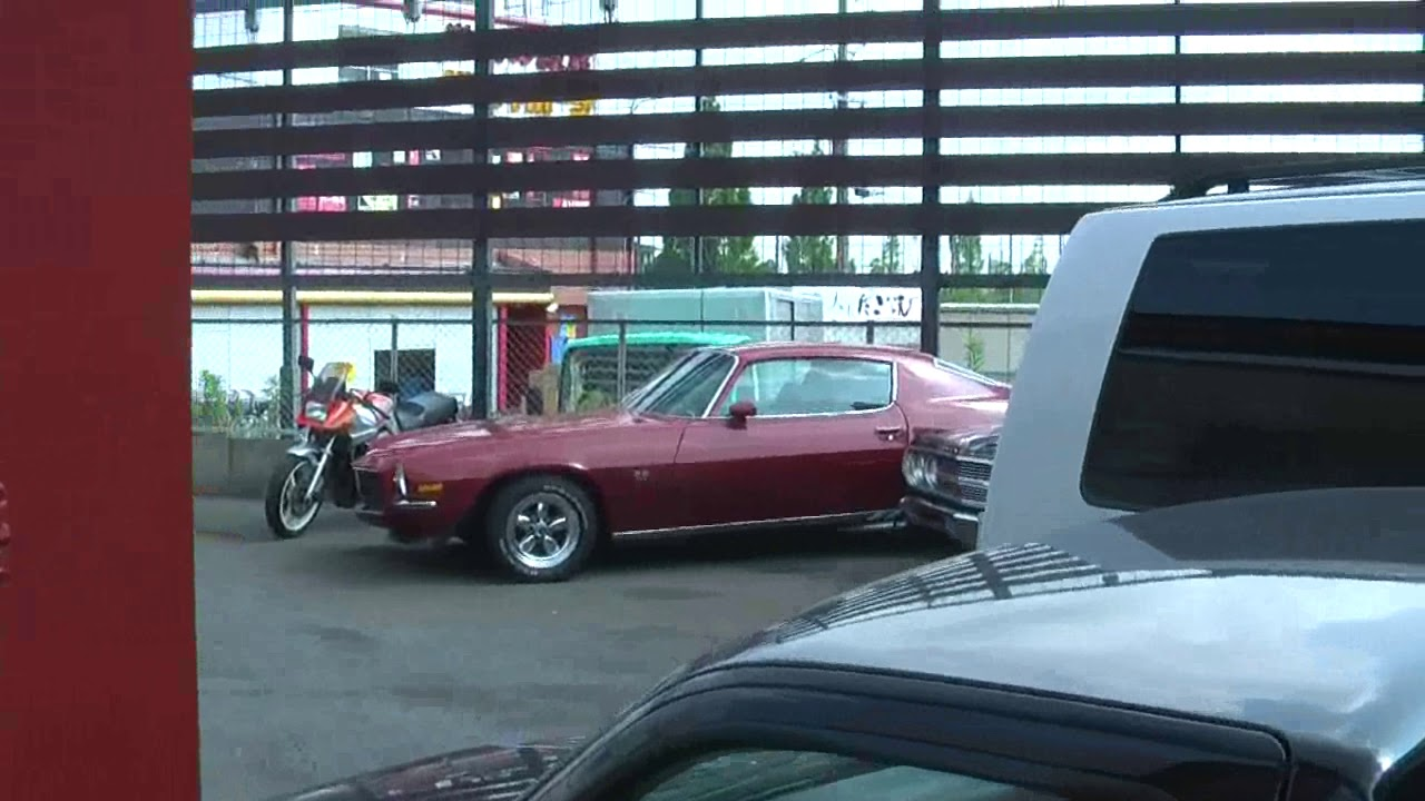 """""""Foreign car"""" yard in Japan - YouTube"""