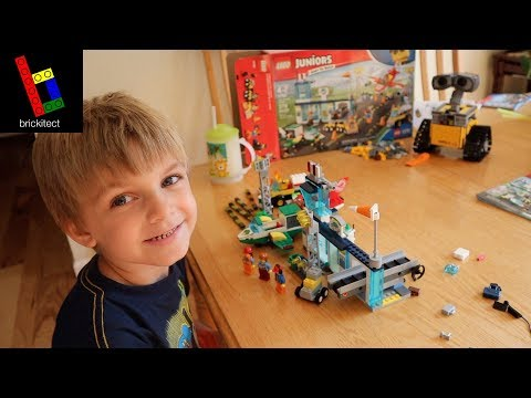 CLARK SHOWS OFF HIS LEGO AIRPORT + A BONUS BUILD!