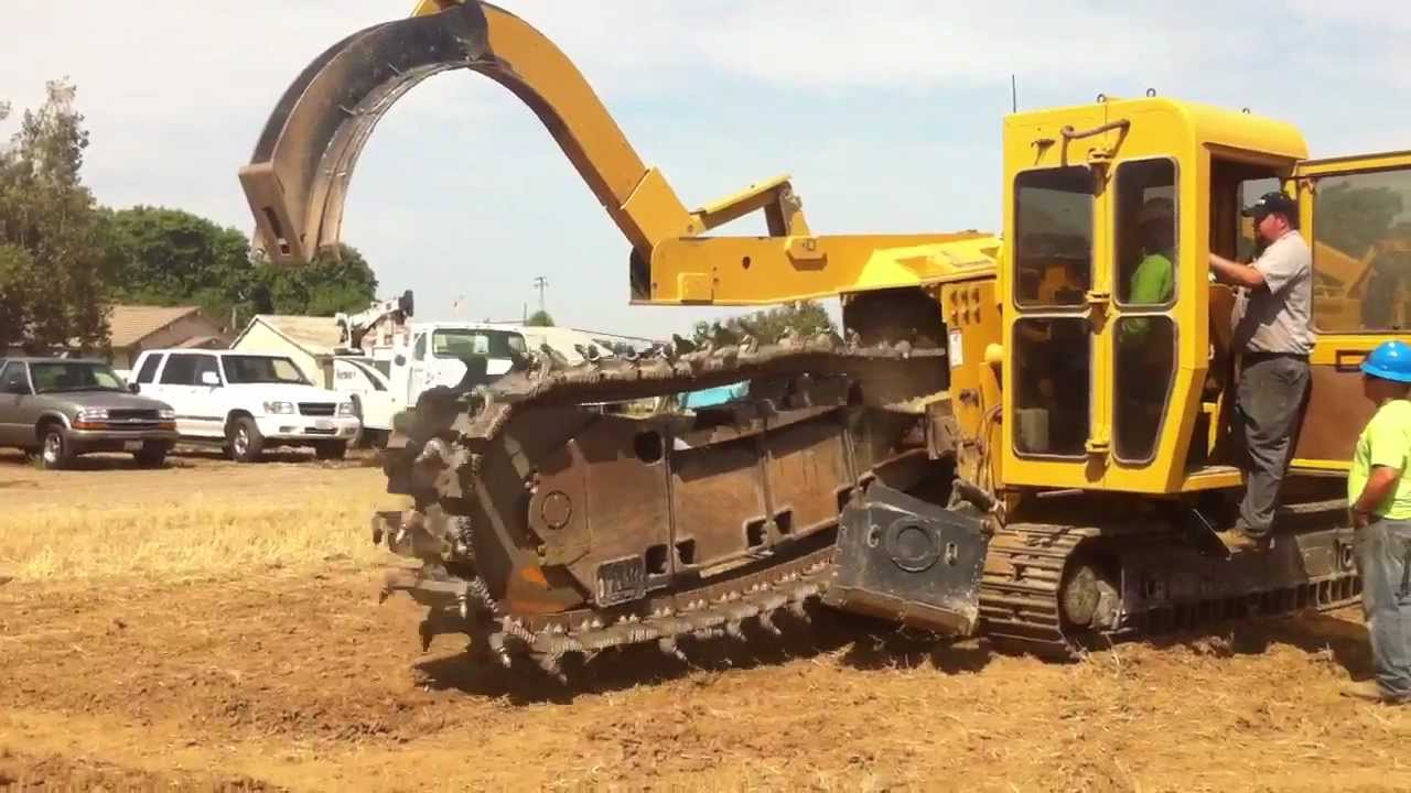 Rex Moore Electrical Trenching With Vermeer T655 Youtube
