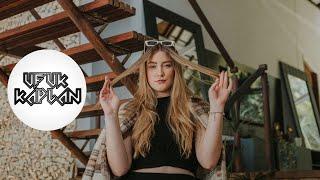 Ufuk Kaplan & Nur Anadol - Sen Misin?