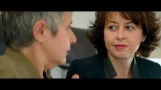 Tutta colpa del Vulcano - trailer (ita) - Valérie Bonneton - (5giugno al cinema) Thumbnail