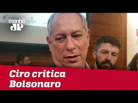 Ciro Gomes critica