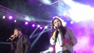 BADSHAH Live in Bangalore (7) Abhi Toh Party Shuru Hui Hai 1 with Aastha Gill  - 11 March 2016