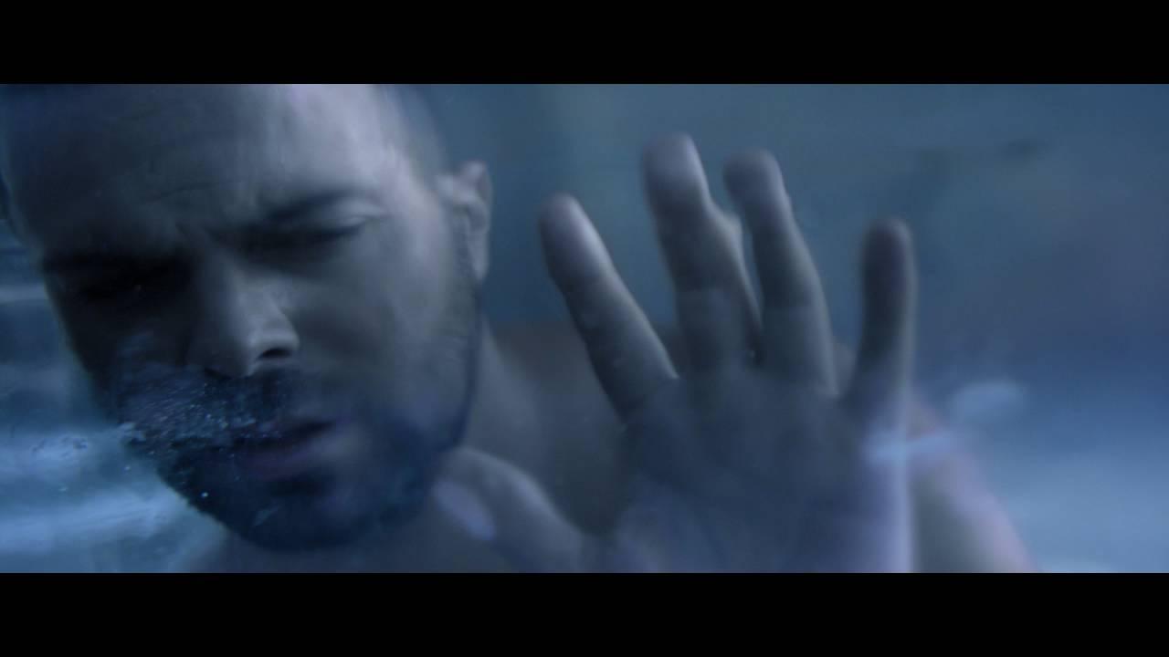 Ηλίας Βρεττός - Και Κάτι Ακόμη | Official Video Clip