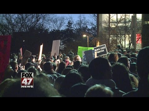 Students rally for peace on MSU campus in East Lansing