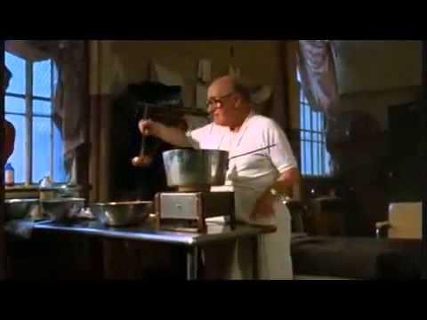 Goodfellas (1990) - Dinner in prison