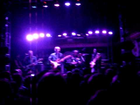 """Television - """"Glory"""" (Trecho) - Ao vivo em Porto Alegre - Beco - 08/07/2011"""