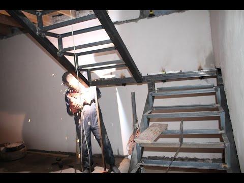 Лестница из металла на второй этаж в частном доме своими руками расчет фото