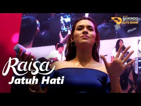 RAISA - Jatuh Hati (Live at GIIAS 2017 | Booth Suzuki)