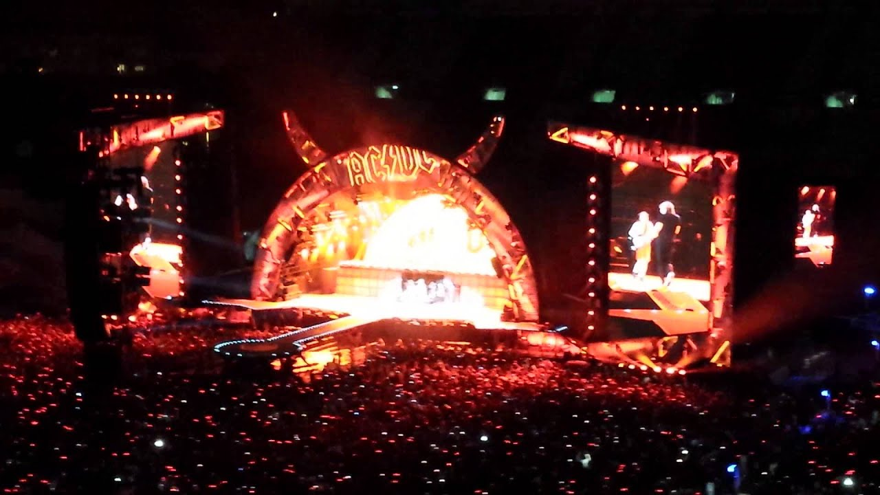 ac dc highway to hell live vicente calder n madrid 2 junio 2015 youtube. Black Bedroom Furniture Sets. Home Design Ideas