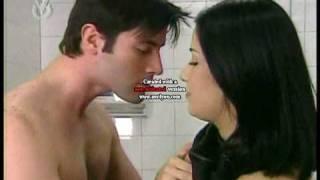 """Jonathan Montenegro y Daniela Alvarado """"Solos en un baño público""""  2006 (parte 1)"""