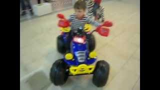 Детский электромобиль TCV636 (llya.ru).AVI(, 2012-04-17T08:53:04.000Z)