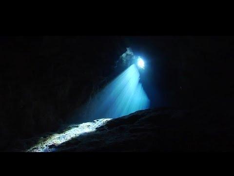 Headstrong Ft. Ghost Wars & Carrie Skipper - Angel Blue Eyes (Aurosonic Progressive Mix)