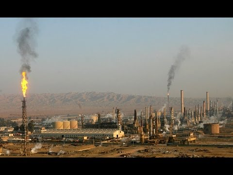 Iraq Oil Refinery Attacked by Militants, US Backs Off of Air Strikes