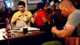 Irländsk musik på en pub i New York
