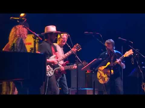 Midnight Hour - Phil Lesh and Friends with Amy Helm and Allison Russell March 16, 2019