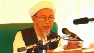 Tuan Guru Nik Aziz- Kahwin Misyar[part 1].flv