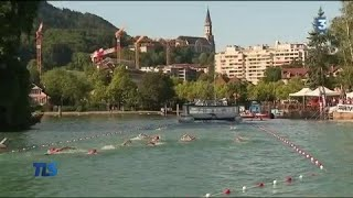 Claudette et Léna, deux générations réunies pour nager dans le lac d'Annecy