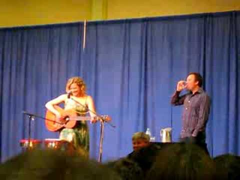 Kate Hewlett Singing at Shore Leave 2008
