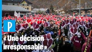 Fermeture des remontées mécaniques: 600 montagnards manifestent en Savoie