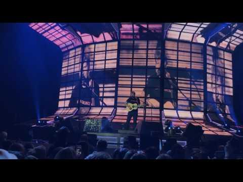 Ed Sheeran – Dive (Live in Berlin)