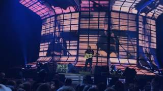 Ed Sheeran – Dive (Live in Berlin)