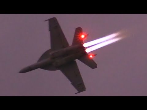 F/A-18 Super Hornet BURNER at DUSK! NAS Oceana Beach Blast 2017